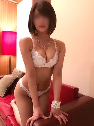 めぐ  (S級素人系美少女)