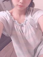 ねむ  (処女18才ニコニコ娘)