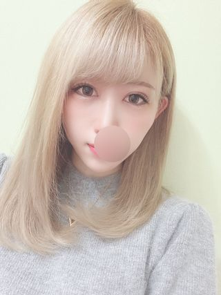Mona  (ダイナマイトセクシー美女)