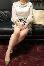 まこと  (小柄黒髪清楚系エロ妻)