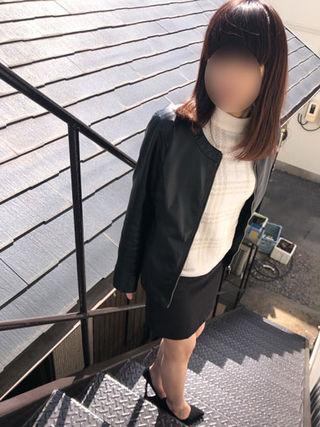 立花さん  (恥ずかしがる素人妻)