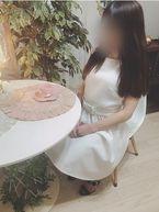 夏美  (黒髪ロングヘア細身妻)