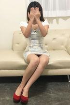 いおり  (魅惑クビレ!どスケベ若妻)
