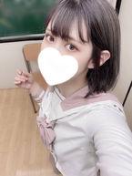 かりん  (アイドル級清楚系少女)