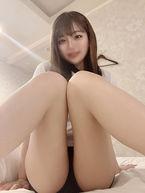 れあ  (黒髪美少女)