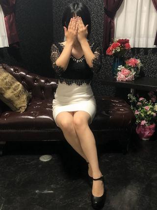 茉奈  (愛嬌満点♪エロ若妻)