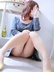 しいな  (小柄美熟女)