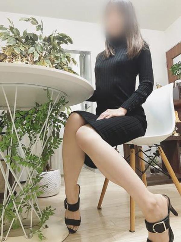 環奈  (完全未経験細身美人)