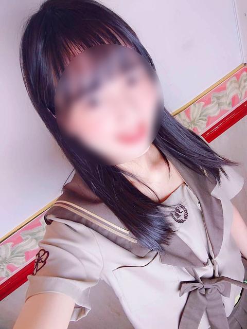 うた  (ドール系スレンダー少女)
