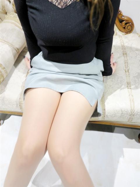 香谷野 羅々  (美人OLの裏の顔)