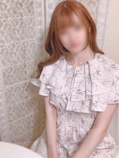 なぎさ  (20歳イチャイチャ娘)