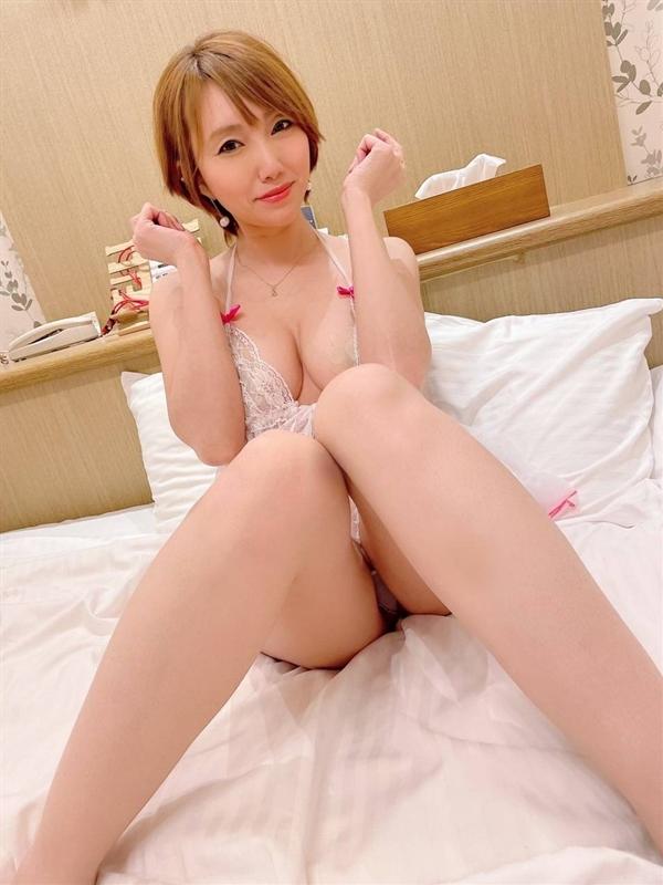 まりあ  (現役AV女優ハンパナイ)