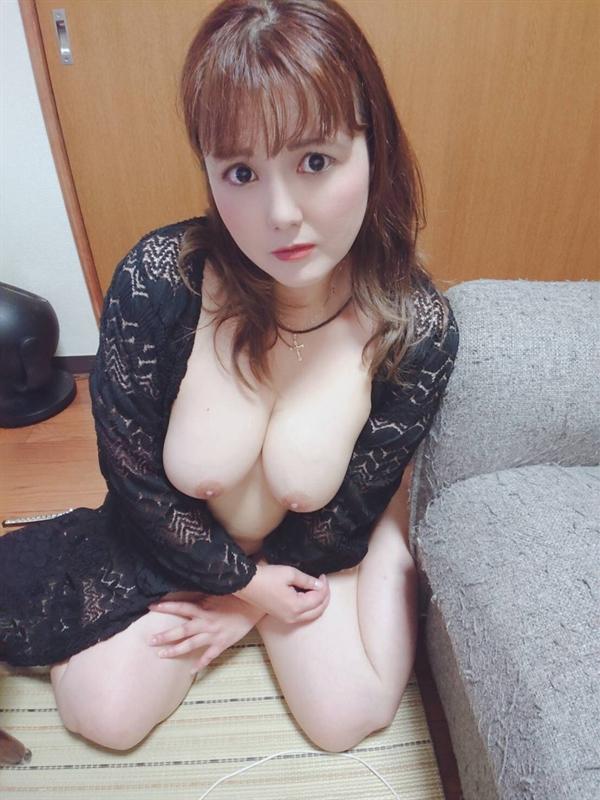 りな  (超どM淫乱ママ!)